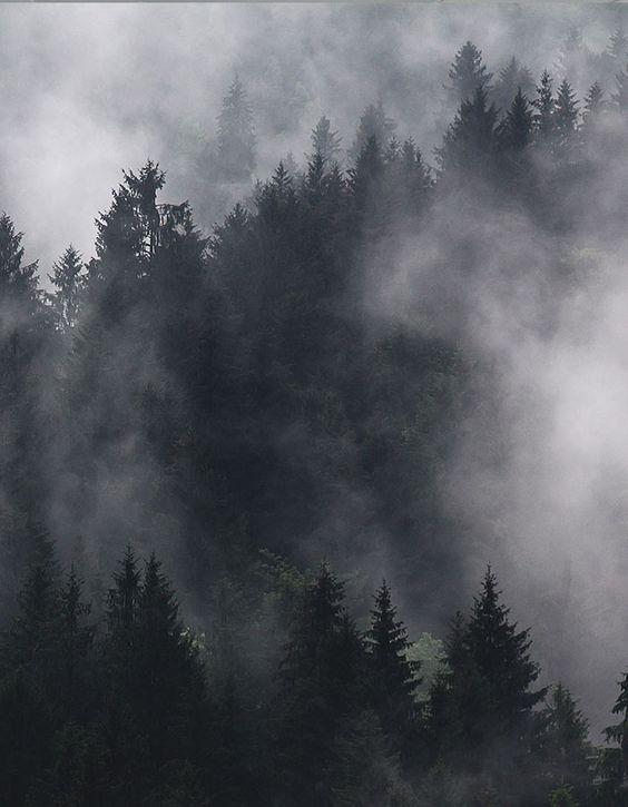 Kalter Nebel auf nackterHaut.